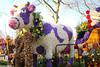 p7444_Errel2000_Praalwagen (Errel 2000 Fotografie) Tags: praalwagens noordwijkerhout roblangerak errel2000 bloemen flowers corso bloemencorso bollenstreek bloembollenstreek kleurrijk