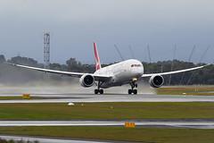 Qantas Boeing 787-9 Dreamliner VH-ZNC (Mark Harris photography) Tags: spotting plane aviation perth canon 5d