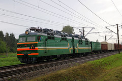 ВЛ80-580 (Life and Photo) Tags: вл80 вл80580 electric locomotive train railroad railway loco электровоз belarus trees grass rain voltage