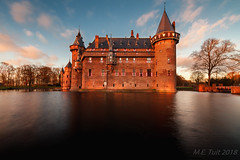 Castle @ the past (Marcel Tuit | www.marceltuit.nl) Tags: ancient december kasteel landscape architectuur kasteeldehaar nederland utrecht canon castlethehair populair twilight daytrip architecture nd110 eos sunset 7d dagtripje toerisme daguitstapje landschap zonsondergang thenetherlands medieval me langesluitertijd landmark bezienswaardigheid wwwmarceltuitnl 2015 holland attractie haarzuilens dusk oud longexposure kleuren marceltuit fortress schemering toeristisch old middeleeuws castle colors haar contactmarceltuitnl tourism dawn hair
