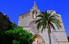 Church St. Juame (petrk747) Tags: alcudia balearicislands mallorca spain church stjuame outdoor travelling traveling palm bluesky heaven image photo nikon nikond500