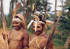 Muyu-Mandobo-019c (Stichting Papua Erfgoed) Tags: pietvanmensvoort msc papua stichtingpapuaerfgoed pace nieuwguinea nederlandsnieuwguinea irianjaya papuaheritagefoundation voormalignederlandsnieuwguinea
