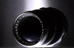 old buddie ([-ChristiaN-]) Tags: macromondays photographygear photography gear hmm light external flash voigtländer dynarex lens macro makro