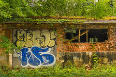Lost places (Janos Kertesz) Tags: lostplaces podkowalesna polen polska poland building wall old background house architecture texture city graffiti abstract grunge pattern construction