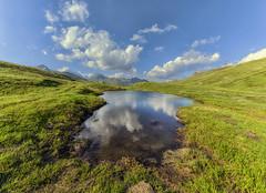 Fuga (forastico) Tags: forastico d7100 valledaosta piccolosbernardo passo valico confine sbernardo lago laghetto riflesso riflessi montagna