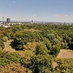 Luftbild: Panorama von Köln. Aufgenommen im Stadtwald thumbnail