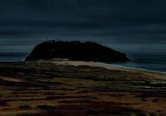 spooky..... (louise peters) Tags: lighthouse vuurtoren dark donker night evening avond beach strand rock rots kust coast morrobay bay baai sea ocean zee oceaan pacific pacificocean groteoceaan vs usa california sky wolkenlucht seascape zeegezicht landscape landschap dune duin duinen dunes