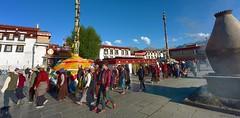 In front of the Jokhang Temple lies Barkhor square, Tibet 2017 (reurinkjan) Tags: tibetབོད བོད་ལྗོངས། 2017 ༢༠༡༧་ ©janreurink tibetanplateauབོད་མཐོ་སྒང་bötogang tibetautonomousregion tar ütsang lhasa jokhang lhadentsuglakhang jowokhang ཇོ་ཁང་ pilgrimགནས་བསྐོར་བ་nekorwaསྐོར་མིkormi pilgrimageགནས་བསྐོརnekor onpilgrimageགནས་སྐོར་པnekorpa greatsacredplaceགནས་ཆེནnechen faceགདོང་པ་dongpa གདོང༌dong གདོང་ཁdongkha portrait portraiture facecolorགདོང་མདོགdongdok portrayal picture photograph likeness