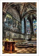 Fresque (Francis =Photography=) Tags: europa europe france grandest alsace hautrhin 68 guebwiller églisesaintléger vitrail fenêtre stainedglass farbigesglas church kirche bâtiment arche mur