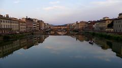 Coucher de Soleil sur l'Arno (Matrok) Tags: toscane bateau barque italie paysage landscape florence arno rivière reflets italia firenze toscana