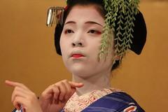 Geisha, Gion, Kyoto, Japan (cattan2011) Tags: 日本 traveltuesday travelphotography travelbloggers travel portrait landscapeportrait traditional culture japanese japan kyoto gion geisha