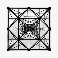 _pylon (fot_oKraM) Tags: pylon high voltage power hochspannungsmast freileitungsmast freileitung nrw bottrop rwe ruhrgebiet ruhrpott ruhr area ruhrarea viereck quadrat square