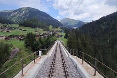 RhB Langwieser Viadukt - In the middle of the bridge (Kecko) Tags: 2018 kecko swiss switzerland schweiz suisse svizzera graubünden graubuenden gr arosa railway railroad bahn eisenbahn rhb europe rhätischebahn viafierretica rhaetianrailway arosabahn langwies brücke bridge viaduct swissphoto geotagged geo:lat=46817560 geo:lon=9705090
