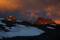 Fire on the Mountain (Crest Pictures) Tags: mtrainiernationalpark observationrock echorock dawn sunrise russellglacier