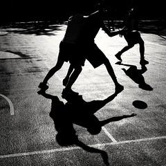 Game ( serie black texture ) (Jean-Marc Vernier) Tags: noiretblanc blackandwhite bnw streetview street streetphotography shadow fujifilm fujixt20