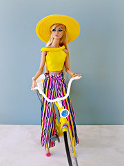 Yellow and stripes (Deejay Bafaroy) Tags: fashion royalty fr integrity toys doll puppe poppy poppyparker evening ingenue blonde blond portrait porträt yellow gelb hat hut bicycle fahrrad velo pink blue blau stripes streifen striped gestreift 16 scale playscale miniature miniatur