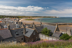 Cullen Seatown (Markus Trienke) Tags: cullen scotland vereinigteskönigreich gb seatown coast beach sand sea viaduct town houses