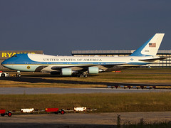 United States Air Force | Boeing VC-25A | 92-9000 (Bradley's Aviation Photography) Tags: egss stansted stanstedairport londonstanstedairport essex canon70d 747 b742 airforce usaf af1 airforceone unitedstatesairforce usa donaldjtrump presidenttrump potus boeingvc25a 929000 vc25