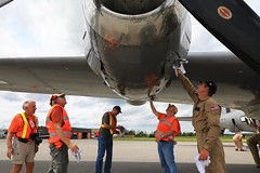 100A9831 (CdnAvSpotter) Tags: fifi b29 superfortress boeing airplane aviation warbird vintage wings gatineau airport cynd ynd canada ottawa commemorative air force caf airpowertour marshallers ground crew bomber