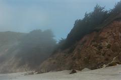 20180724-00036.jpg (tristanloper) Tags: tristanloper creativecommons film nikonf6 california bigsur pacificcoast highway1 pacificocean pfeifferbeach fog mist