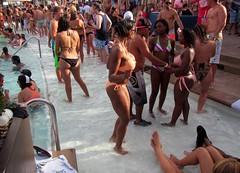 #July4th #MGMGrand #LasVegas (Σταύρος) Tags: mgmlasvegas las vegas poolparty swimmingpool wetrepublic fun friends drinks mgmgrand mgm bikini vip lasvegas2014 mgmvegas mgmhotel july4th 4thofjuly july4thweekend vegas2014 vegasbaby clarkcounty nv nevada lasvegas sincity soirée party southernnevada ラスベガス expensive posh wet pool blackgirl ebony cincity