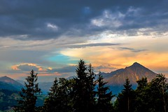 Morning light (I) (sylviafurrer) Tags: morgenlicht morninglight niesen wolken clouds berneroberland bernesealps switzerland mountain berge coth coth5
