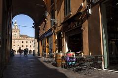 "Bologna (Italy) -  ""Il quadrilatero"" - Via Clavature (Massimo Battesini) Tags: bologna emiliaromagna italia it olympusem10markii olympus em10markii mzuikodigitaled124028 zuiko olympus1240mmf28 bar caffè cafe cafè café worldcitycenters portici arcades soportales volte archi arch porticos centrostorico zentrum centreville centromedievale centremédiéval medievalcenter centromedieval ittà ville city stadt town ciudad photographiederue streetphotography fotografiaderua photosdelavie escenacallejera ilquadrilatero italien italy italie viaclavature europe europa mercato market marché bazar bazaar"