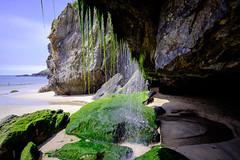 Dentro de la cueva (MigueR) Tags: españa asturias porcía playa mar cielo agua cueva fuji xt1 cascada samyang12mmf2