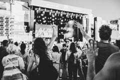 Put your hands up in the air! (mripp) Tags: art vintage retro old concert festival melt music joy enjoying flow sony alpha 7rii voigtlander nokton 40mm f12 black white mono monochrom