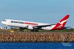 VH-EFR QF B763F 34L YSSY-4499 (A u s s i e P o m m) Tags: mascot newsouthwales australia au qantas qf qantasfreight boeing b763f syd yssy sydneyairport