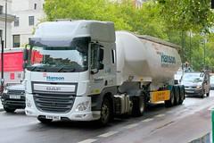 Hanson Heidelberg Cement Group . 2157E FP16NKZ  . Marylebone Road , Marylebone , London . Friday 10th-August-2018 . (AndrewHA's) Tags: marylebone london hanson heidelberg cement group daf tractor bulk powder trailer 2157e fp16nkz white articulated truck lorry