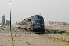 Train 4100 arrivant à Kosovo Polje (Trains-En-Voyage) Tags: serbie yougoslavie kosovo unmikrailways urdi3