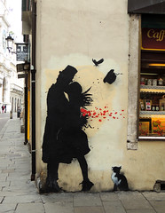 Padova, un bacio (anto_gal) Tags: veneto padova 2018 città murales