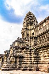 Angkor Wat Cambodia -44a (Yasu Torigoe) Tags: sony a99ii a99m2 sonyilca99m2 camboya cambodia angkor siem templo temple khmer architecture ancient ruins stonework siemreap history histoire building carving art surreal sculpture structure travel archeology thebestshot flickr best buddha buddhist hindu shiva devatas deity