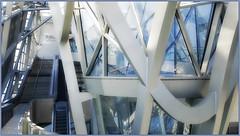 Au coeur du Cristal, Musée des Confluences, presqu'île Confluence, Lyon, Auvergne-Rhône-Alpes, France (claude lina) Tags: claudelina france auvergnerhônealpes lyon musée museum muséedesconfluences exposition