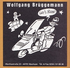 Strapazin / Aufkleber (micky the pixel) Tags: werbung anzeige inserat advertisement aufkleber sticker strapazin magazin grafik kunst art comicart weltall space astronaut tramper hitchhiker vespa wolfgangbrüggemann fotograf bochum