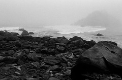 20180724-00011.jpg (tristanloper) Tags: tristanloper creativecommons film nikonf6 california bigsur pacificcoast highway1 pacificocean pfeiffer beach