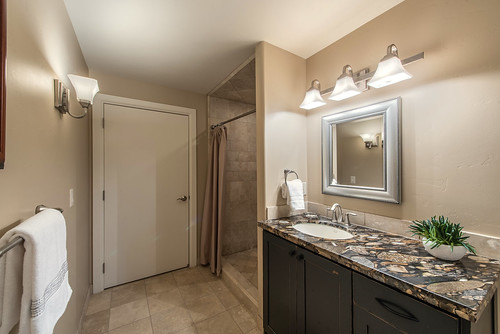 Photo-1772-Bathroom-923