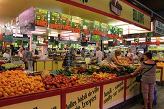 Marché des Halles, Troyes (demeeschter) Tags: france champagne aube troyes city town building architecture church cathedral religion culture art street medieval museum archaeology heritage historical