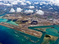 photo - HNL and Hickam Field (Jassy-50) Tags: photo oahu hawaii fromtheplane honoluluairport hnl airport hickamfield usaf hickamairforcebase pearlharbor clouds honolulu saturated