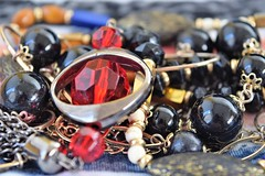 Macro Mondays Trinkets (Harry McGregor) Tags: macromondays trinkets macro harrymcgregor 30 july 2018 bokeh dof depthoffield jewellery baubles beads
