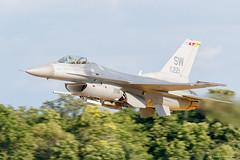 F-16 Fighting Falcon (dpsager) Tags: 2018 dpsagerphotography eaaoshkoshairshow f16fightingfalcon generaldynamicsf16fightingfalcon oshkosh wisconsin aircraft airplane airshow eaa airventure osh18