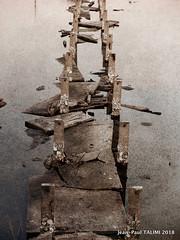 Ruines (JEAN PAUL TALIMI) Tags: ville solitude aquitaine architecture jeanpaultalimi talimi exterieur sudouest portdegujanmestras eau france gironde bunker