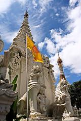 "Wat Mahawan. (ol'pete) Tags: watmahawanถนนท่าแพ ""thapaeroad"" buddhist temple chiangmai thailand ประเทศไทย เมืองไทย สถูป stupa รูปปั้น statue เชียงใหม่ พุทธกาลนิชน earthasia"