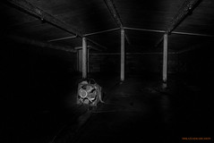 Berglagret/Underground storage b/w (MIKAEL82KARLSSON) Tags: ue urbanexplorer underground underjord utforska explore explorer expo stål steel decay abandoned panasonic lx100 sverige sweden svartvit övergivet old öde övergiven mikael82karlsson svartvitt bw