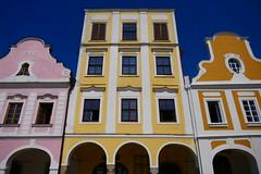 Colours (Jungle_Boy) Tags: telč czechia czechrepublic europe centraleurope easterneurope travel 2018 square townsquare
