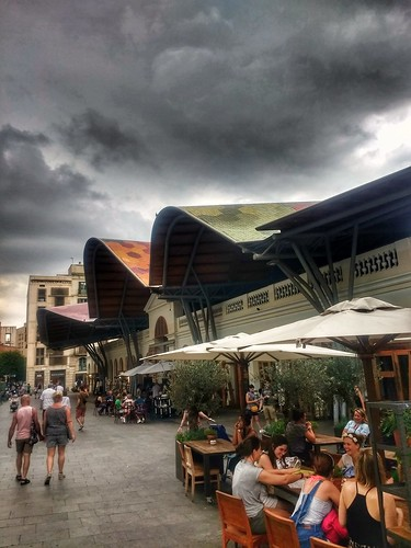 "Barcelona. Mercado de Santa Caterina • <a style=""font-size:0.8em;"" href=""http://www.flickr.com/photos/26679841@N00/42980783374/"" target=""_blank"">View on Flickr</a>"