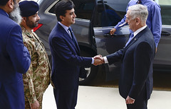 SD host Pakistan Ambassador (Secretary of Defense) Tags: dod departmentofdefense jimmattis jamesmattis dc jim mattis pentagon secdef secretary defense washington chaos bilat pakistanambassadoralijehangirsiddiqui angelitamlawrence unitedstatesofamerica usa