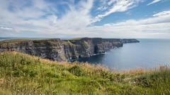 Cliffs of Moher (Ben Mouleyre Photographie) Tags: ireland irlande burren falaise cliffs moher cliffsofmoher ciel ocean see wild wildatlanticway nuages cloud cotes littoral atlantique landscape paysage sauvage mer
