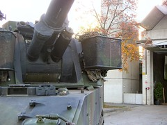 "PzH M109 6 • <a style=""font-size:0.8em;"" href=""http://www.flickr.com/photos/81723459@N04/43238926714/"" target=""_blank"">View on Flickr</a>"
